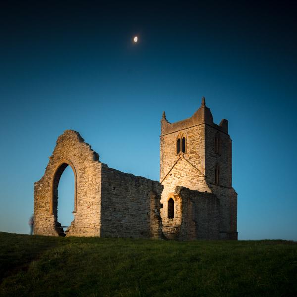 The ruins of St Michaels Church on top of Burrow Mump - Somerset, UK. ID 824_5035