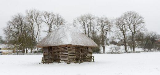 Hurdles in Snow - Priddy, Mendip Hills, Somerset, UK. ID 825_5104