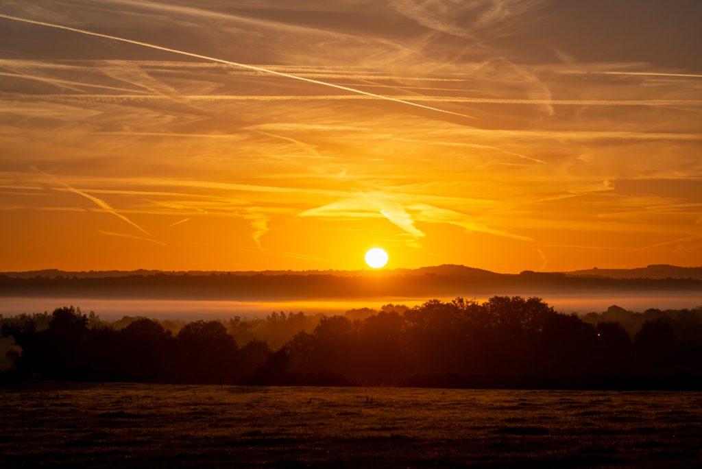 Sunrise - Templecombe, Somerset, UK. ID 825_9728