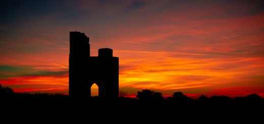 Dawn at Ditcheat Folly - Ditcheat Hill, Somerset, UK. ID 826_0076