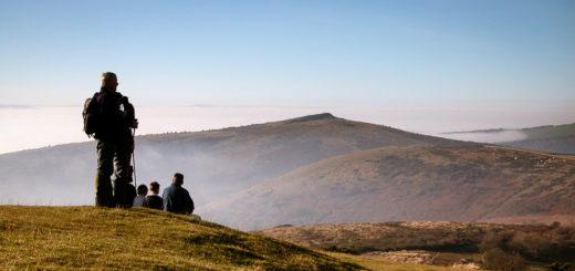 Looking west to Crook Peak - Wavering Down, Somerset, UK. ID DSCN1860