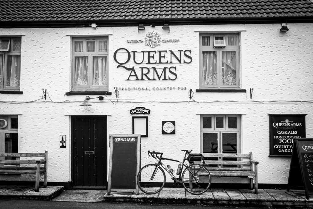 The Queens Arms - Bleadon, Somerset, UK. ID DSC_9136