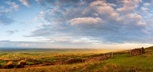 Axe Valley towards Brent Knoll - From Cooks Fields, Mendip Hills, Somerset, UK. ID JB1_7713P